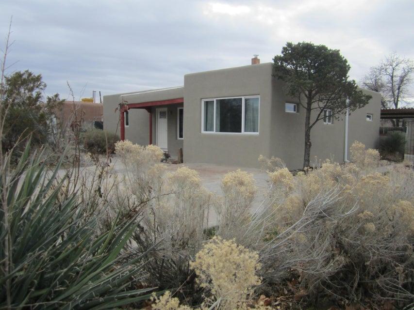 2037 La Veta Drive NE, Albuquerque, NM 87110