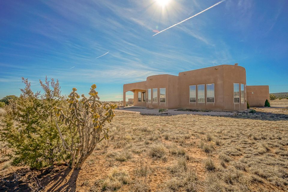 4 Kiowa Court, Edgewood, NM 87015