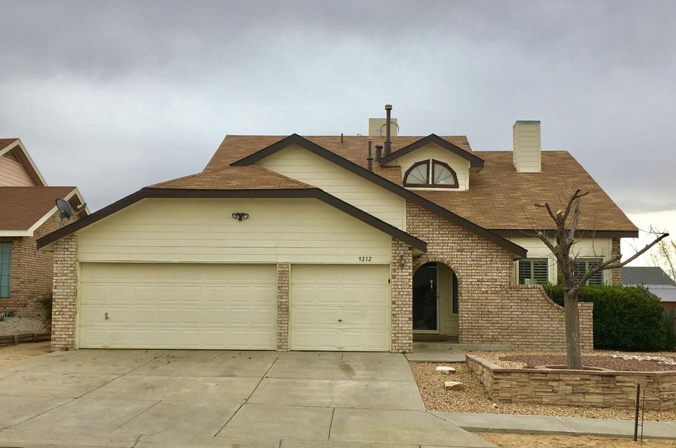 9212 Joe Montoya Place NW, Albuquerque, NM 87114