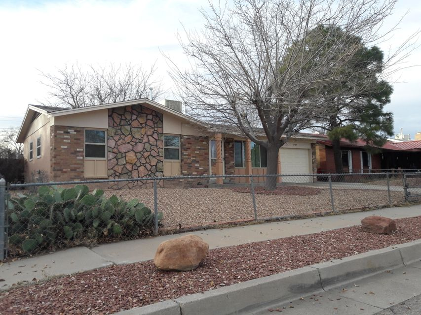 2709 19Th Street NW, Albuquerque, NM 87104