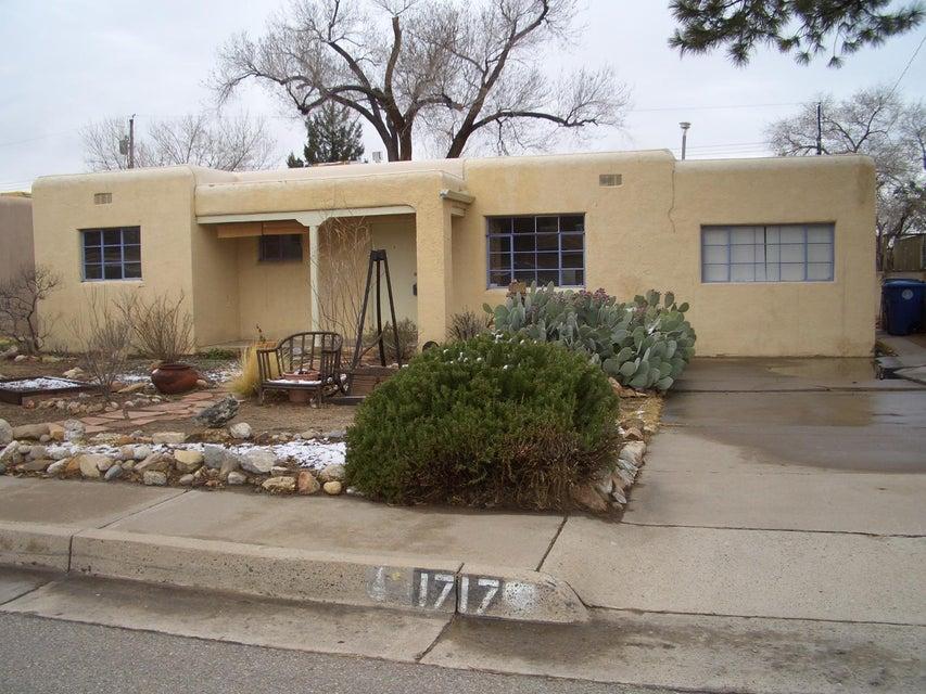 1717 Bryn Mawr Drive NE, Albuquerque, NM 87106