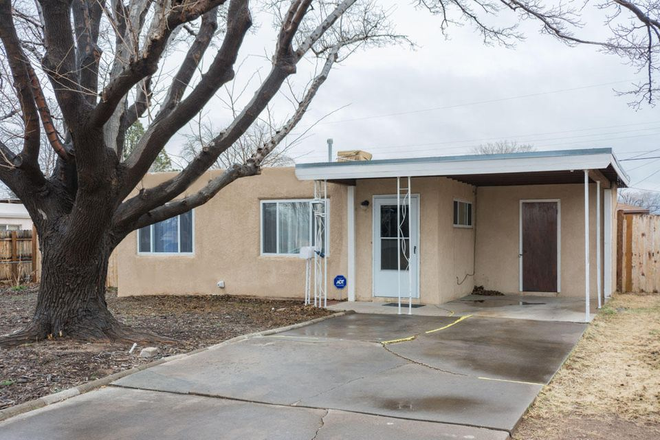 406 Chama Street NE, Albuquerque, NM 87108