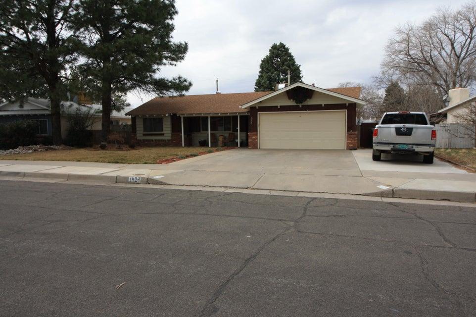 1429 Marron Circle NE, Albuquerque, NM 87112
