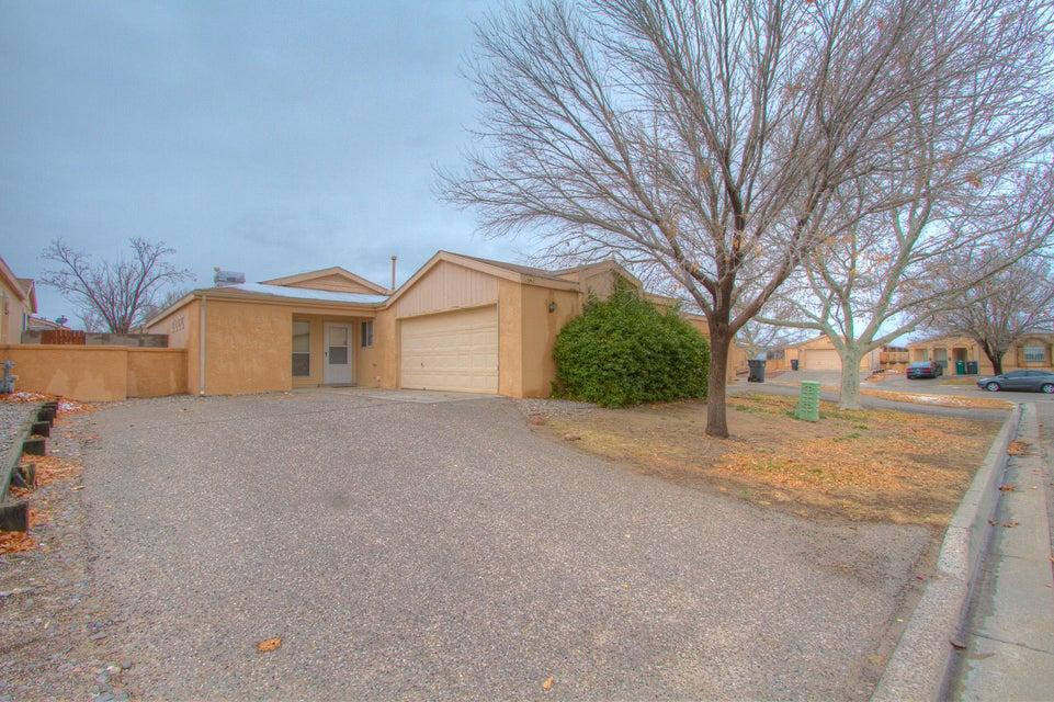 1352 Rebecca Road NE, Rio Rancho, NM 87144