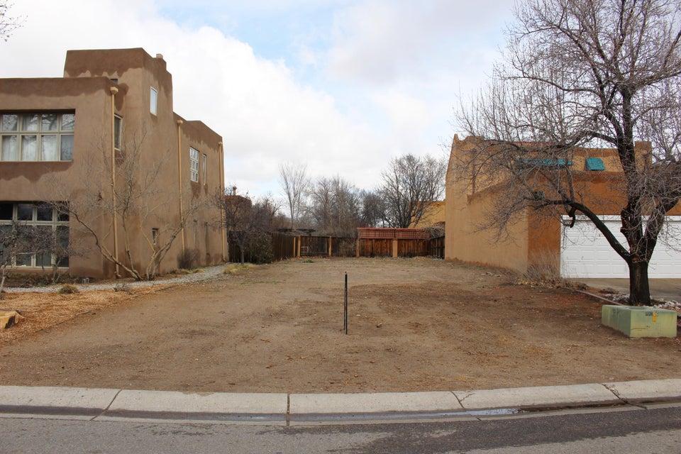 3113 Calle de Alamo NW, Albuquerque, NM 87104
