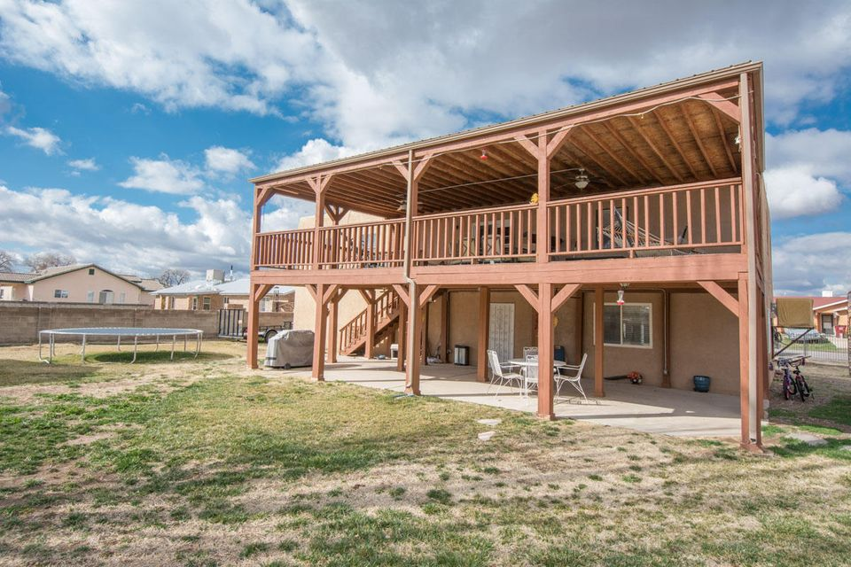 8 Silvana Court, Peralta, NM 87042