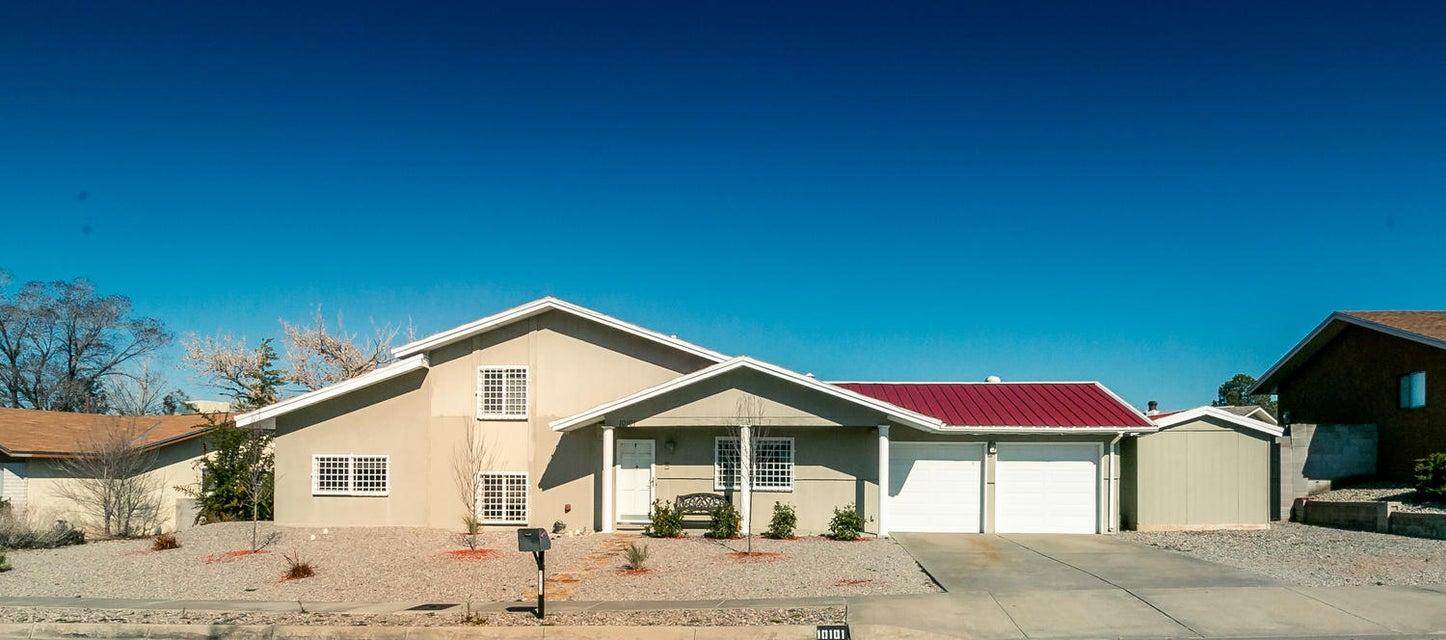 10101 Malaguena Lane NE, Albuquerque, NM 87111