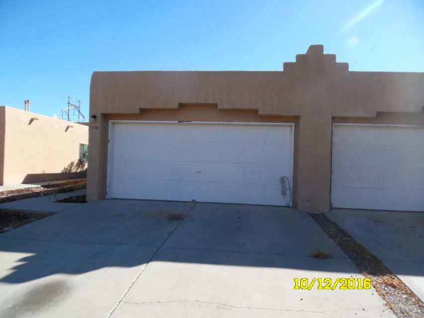 3300 Fritzie Street NW, Albuquerque, NM 87120