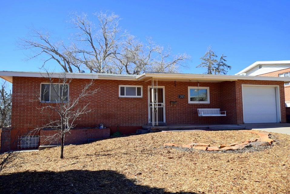 1705 Columbia Drive SE, Albuquerque, NM 87106