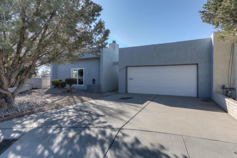 3007 Jardin Plaza NE, Albuquerque, NM 87110