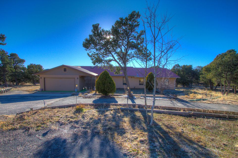 62 APACHE RIDGE Road, Santa Fe, NM 87505