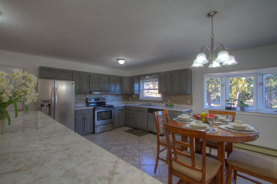 62 APACHE RIDGE Road, Santa Fe, NM 87505