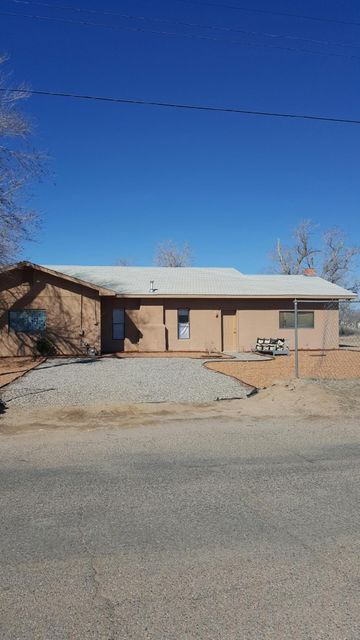 225 Valley High Street SW, Albuquerque, NM 87105