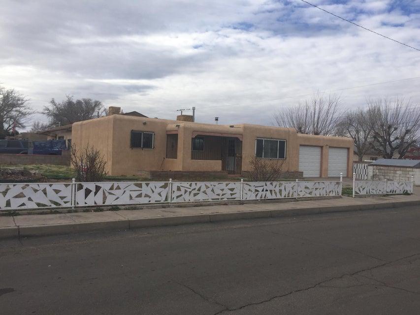 901 Georgia Street SE, Albuquerque, NM 87108