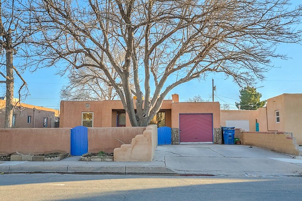 720 Douglas Macarthur Road NW, Albuquerque, NM 87107