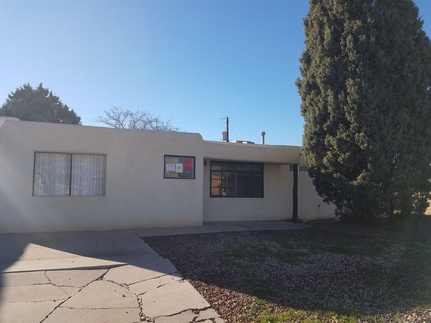 3225 Ortiz Drive NE, Albuquerque, NM 87110