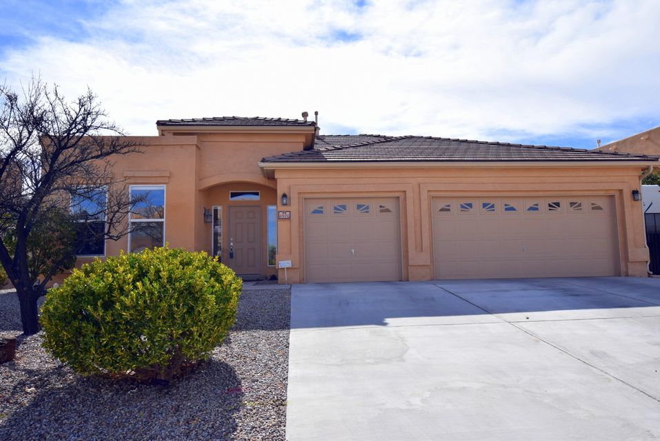 4976 Night Hawk Drive NE, Rio Rancho, NM 87144