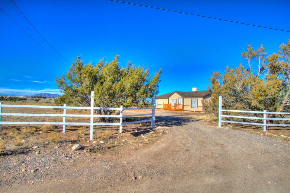 14 Melrose Place, Edgewood, NM 87015
