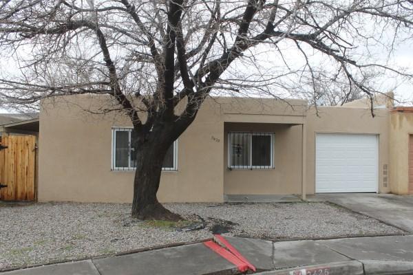 3425 Corona NW, Albuquerque, NM 87120