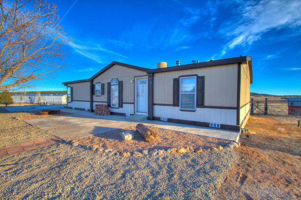 38 Los Chavez Avenue, Edgewood, NM 87015