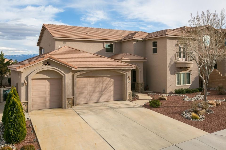 320 Pinnacle Drive SE, Rio Rancho, NM 87124