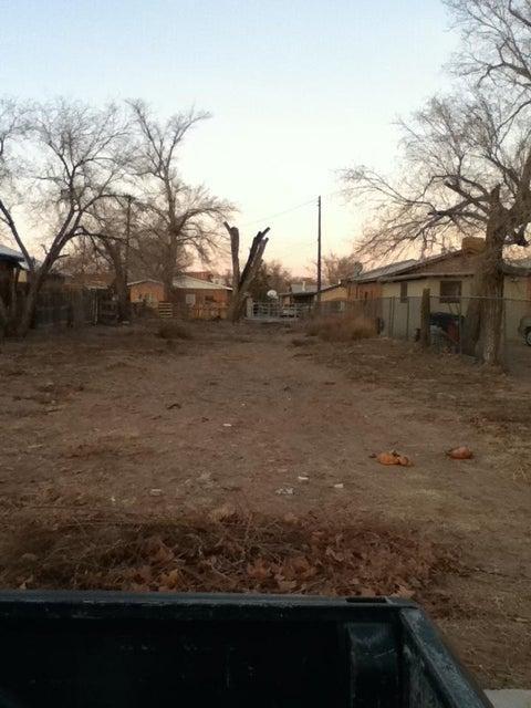 608 Aztec Road NW, Albuquerque, NM 87107
