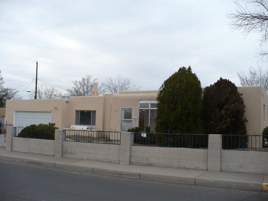 6615 Trumbull Avenue SE, Albuquerque, NM 87108