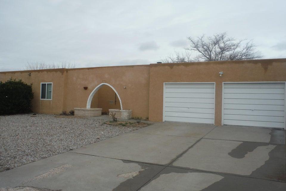 612 Rincon De Romos Drive SE, Rio Rancho, NM 87124