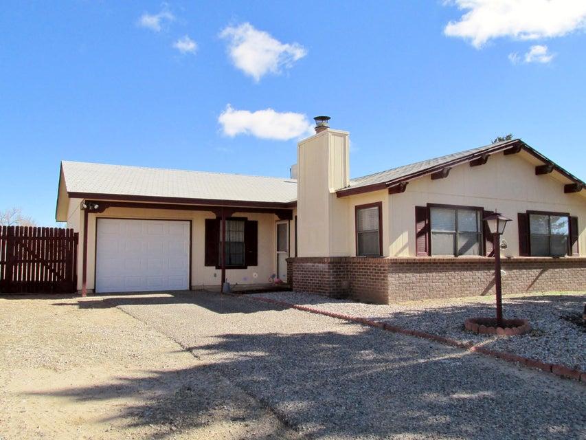 1671 Domain Loop SE, Rio Rancho, NM 87124