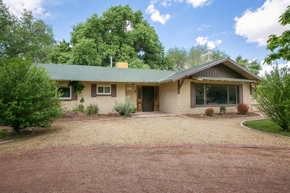 9925 Loretta Drive NW, Albuquerque, NM 87114