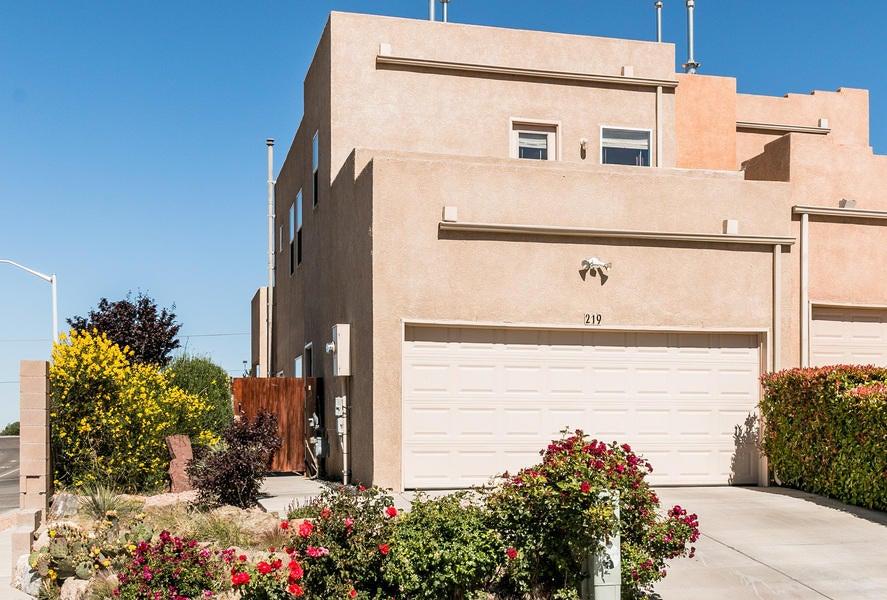 219 Lanier Drive SE, Albuquerque, NM 87123