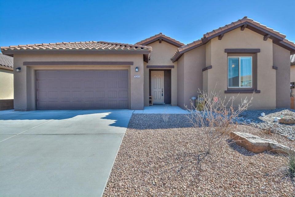 6920 Tierra Oscura Street NW, Albuquerque, NM 87120