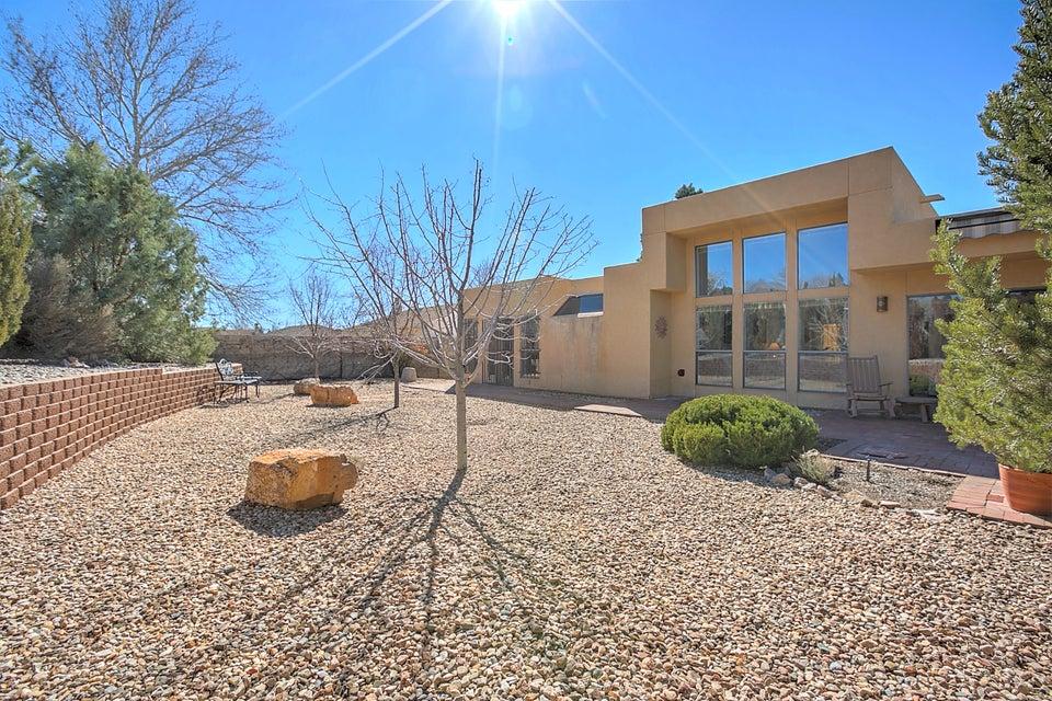 6116 Casa De Vida NE, Albuquerque, NM 87111