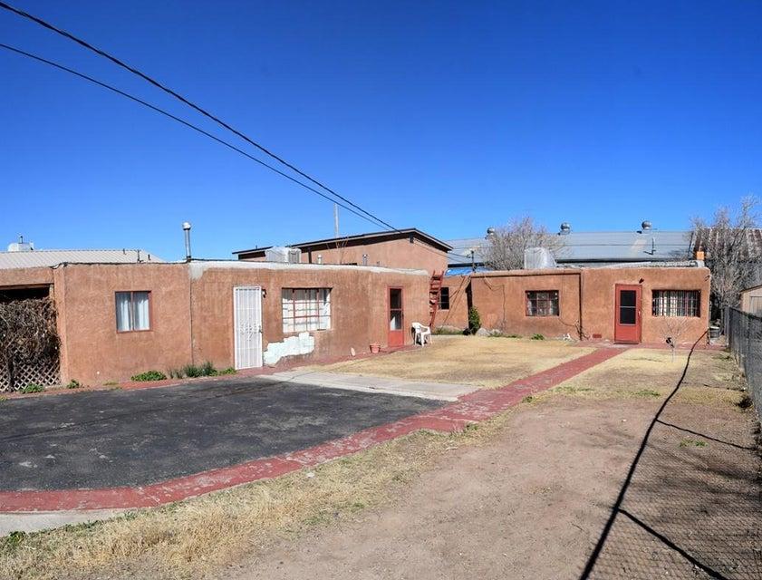 625 Towner Avenue NW, Albuquerque, NM 87102