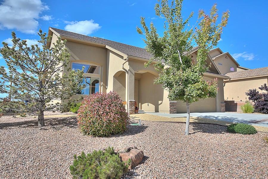 6257 Azaleas Road NW, Albuquerque, NM 87114