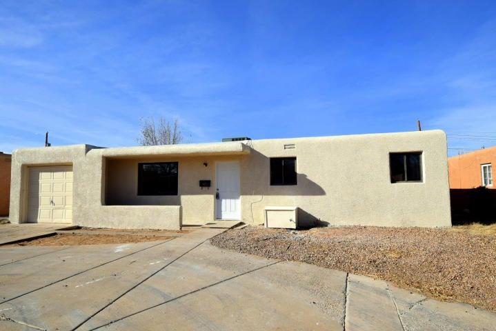 3409 Palomas Drive NE, Albuquerque, NM 87110