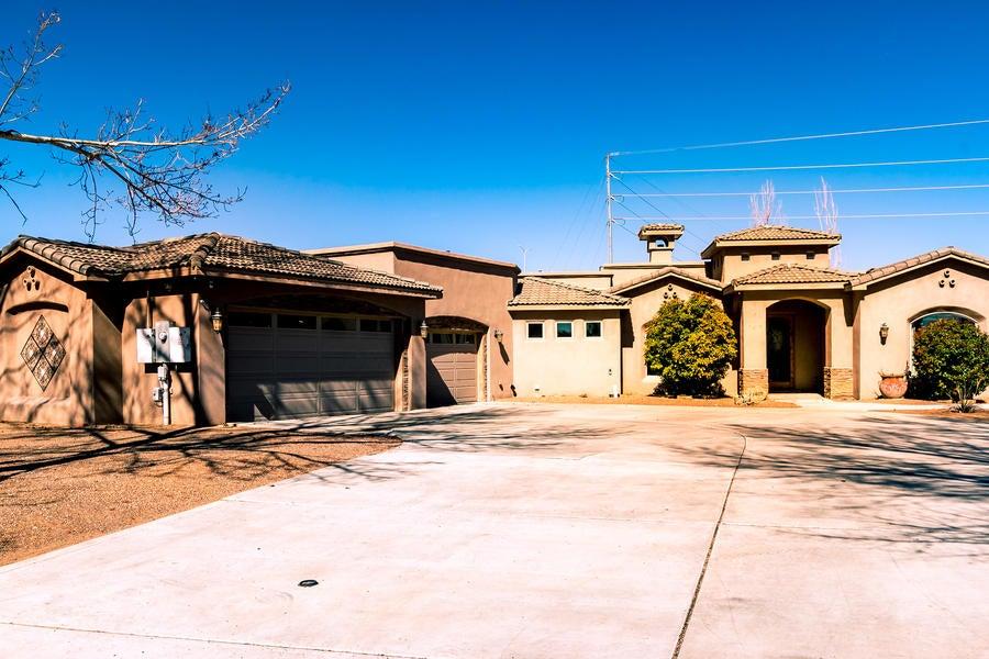 3409 Calle Facio NW, Albuquerque, NM 87104