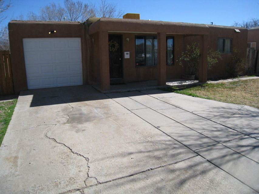 3408 6Th Street NW, Albuquerque, NM 87107