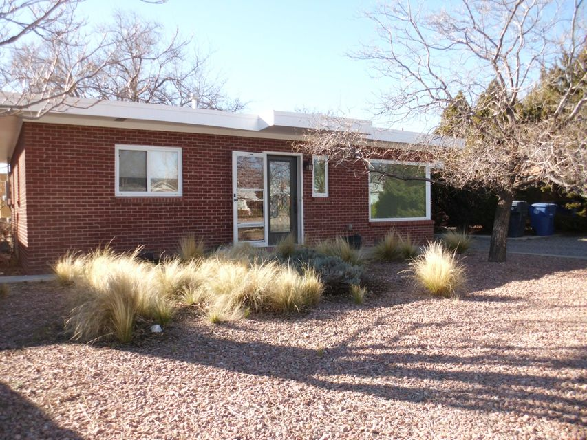825 Adams NE, Albuquerque, NM 87110