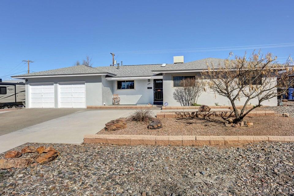 6521 Kiowa,Albuquerque,New Mexico,United States 87110,3 Bedrooms Bedrooms,2 BathroomsBathrooms,Residential,Kiowa,885184