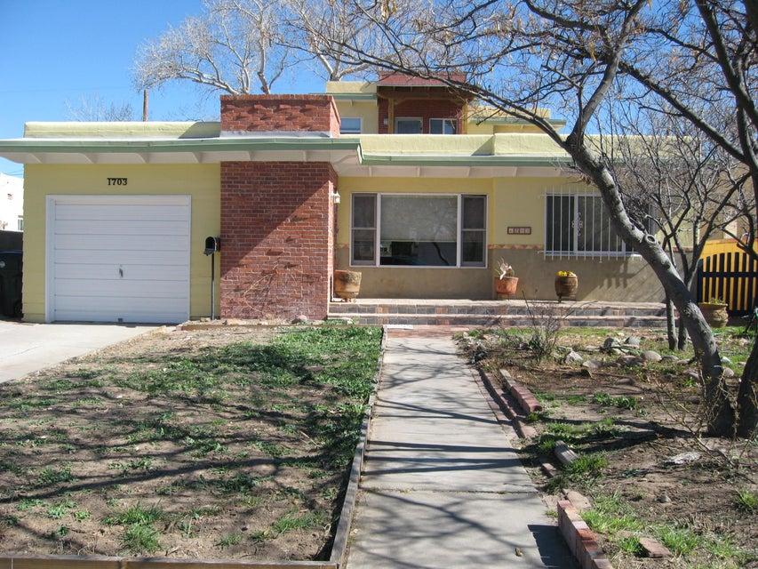 1703 Escalante Avenue SW, Albuquerque, NM 87104