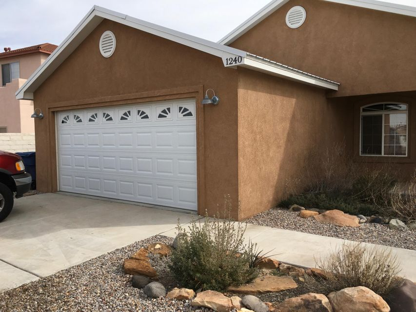 1240 Parkview Drive SW, Los Lunas, NM 87031
