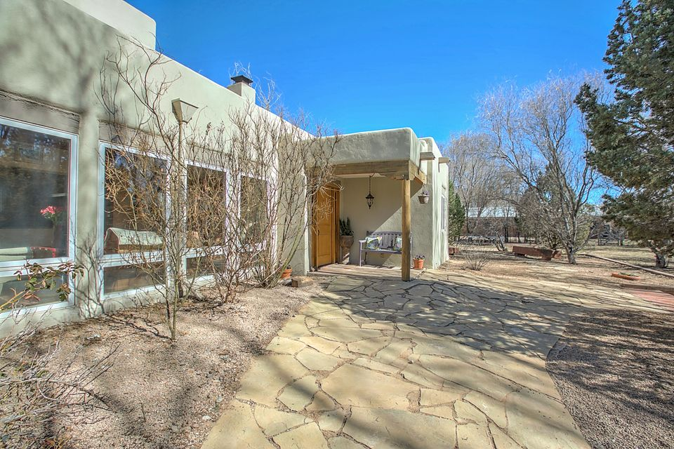 197 Rome Lane, Corrales, NM 87048