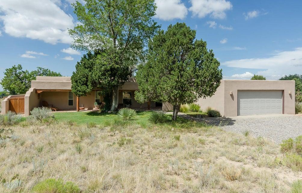 429 Live Oak Lane NE, Albuquerque, NM 87122