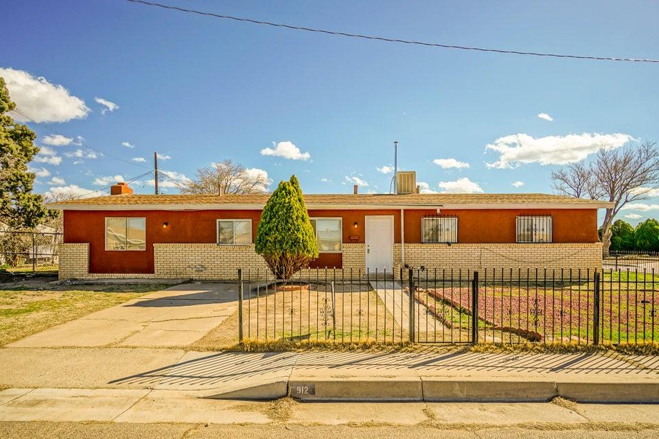 912 Carol NE, Albuquerque, NM 87112