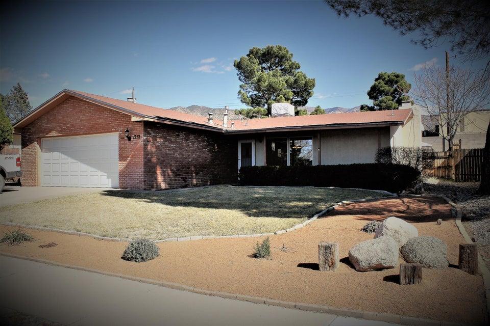 1212 Sandler NE, Albuquerque, NM 87112