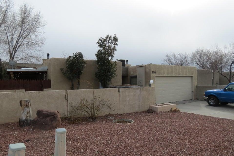 6712 Baker NE, Albuquerque, NM 87109