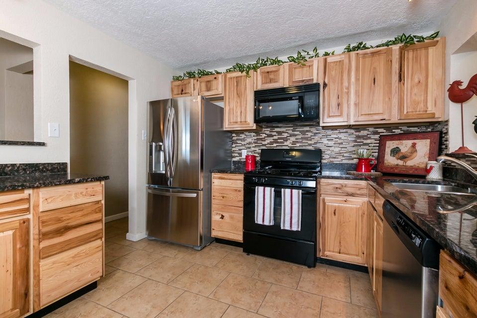 9421 Arvada Avenue NE, Albuquerque, NM 87112