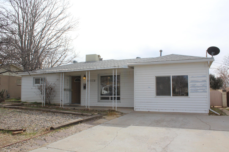 9022 Cordova Avenue NE, Albuquerque, NM 87112