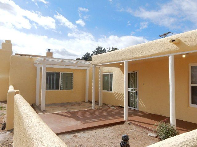 903 Washington Street SE, Albuquerque, NM 87108